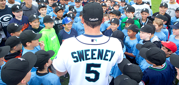 Retired professional baseball player Mike Sweeney addresses campers July 24 during his Catholic Baseball Camp at Russell Road Sports Complex in Kent, Wash. (CNS photo/Stephen Brashear) See BASEBALL-CAMP July 30, 2014.
