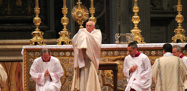Pope Francis presides over a worldwide Holy Hour with Eucharistic Adoration in St. Peter's Basilica on June 2, 2013. (CNA Photo/Alan Holdren)
