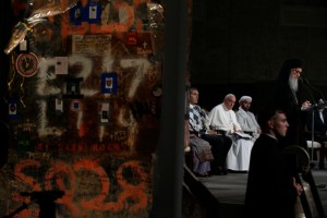 Pope Francis joins representatives of religious communities for meditations on peace in Foundation Hall at the ground zero 9/11 Memorial and Museum in New York Sept. 25. (CNS photo/Paul Haring)