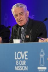 Jesuit Father Federico Lombardi, papal spokesman, speaks about Pope Francis' apostolic visit to the U.S. during a media briefing Sept. 24 at a New York City hotel. The Vatican Sept. 30 did not deny reports that while in Washington, Pope Francis briefly met with Kim Davis, the Kentucky county clerk who was jailed for a time for refusing to issue marriage licenses to same-sex couples. (CNS photo/Gregory A. Shemitz)