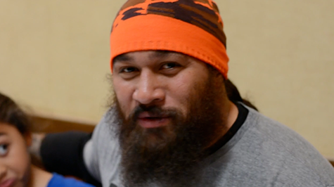 Cincinnati Bengals' Domata Peko was one of five players shoe teamed with St. Vincent de Paul for the ninth annual 'Shop with a Bengal' event. (Screen shot)