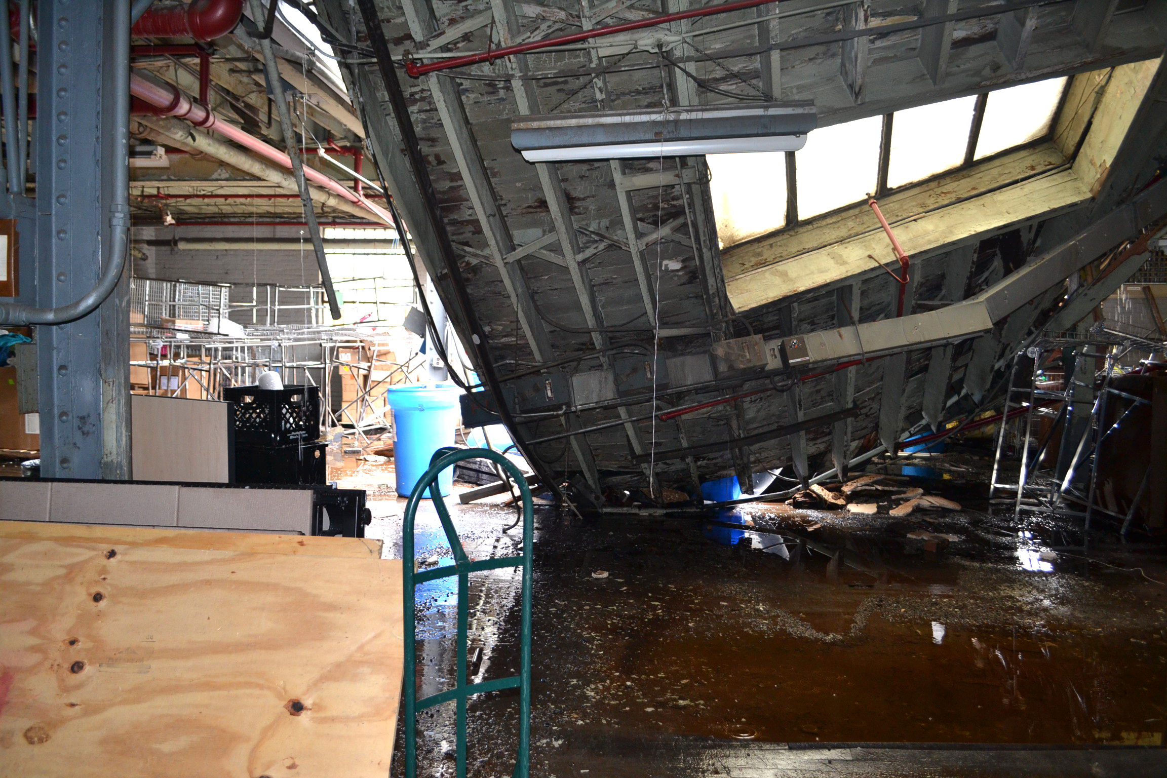 Svdp Warehouse Roof Collapses In Wake Of Storm Video