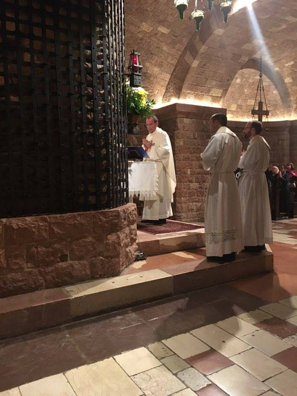 Archbishop Schnurr presiding at Mass at the Tomb of St. Francis of Assisi (Courtesy Photo)
