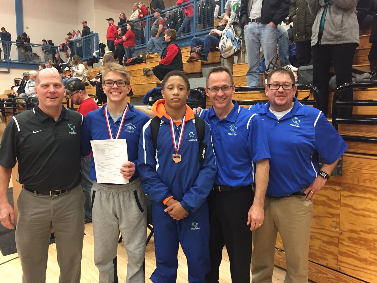 Chaminade Julienne Grapplers on to State