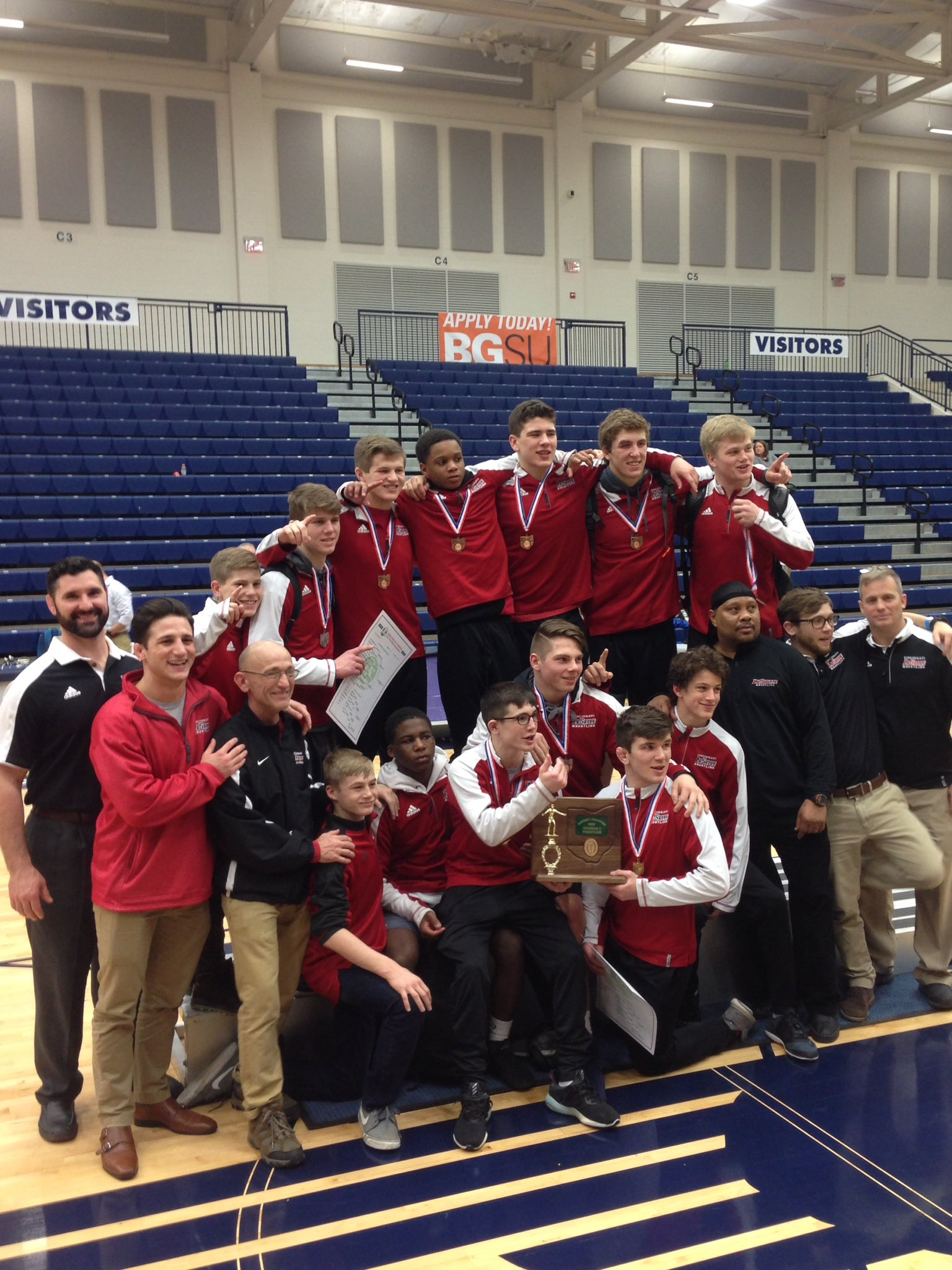 LaSalle High School Grapplers on to State