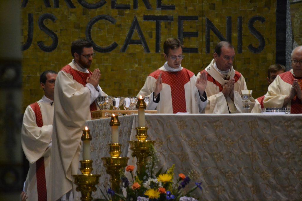 Reverend Peter Langenkamp Eucharistic Prayer (CT Photo/Greg Hartman)