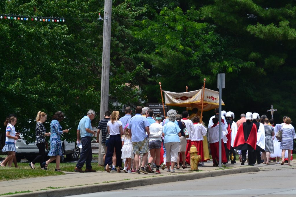 The procession began north before crossing Beechmont Ave. (CT Photo/Greg Hartman)