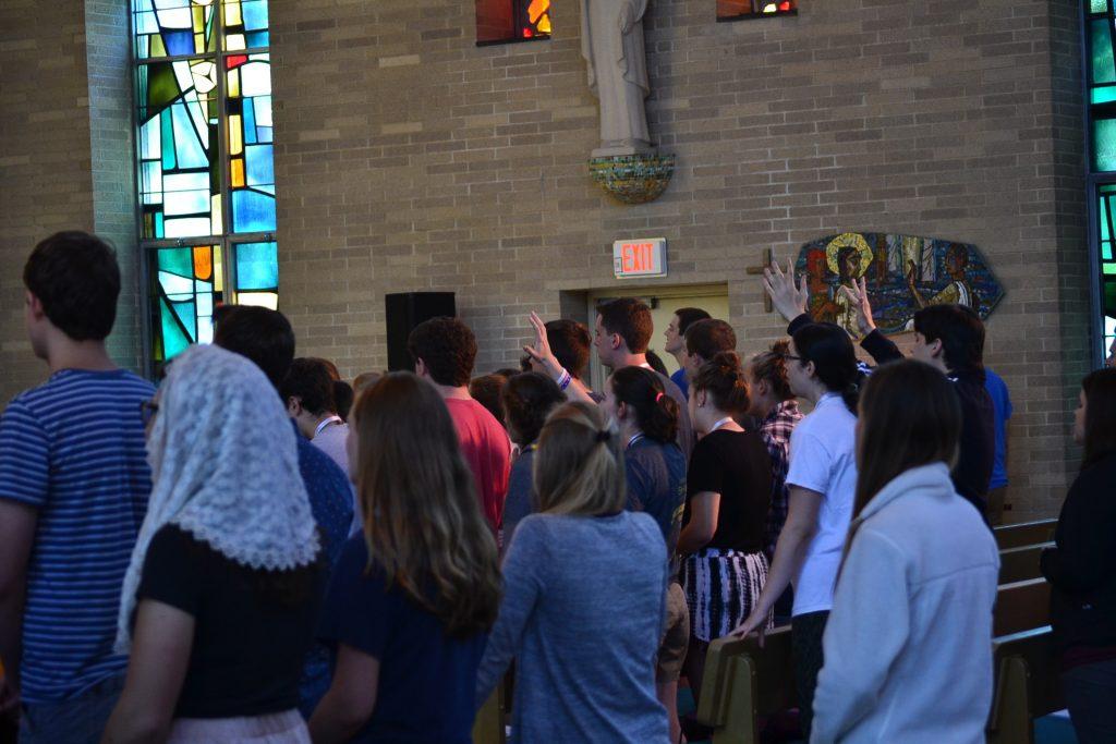 Singing the praise of Jesus. (CT Photo/Greg Hartman)