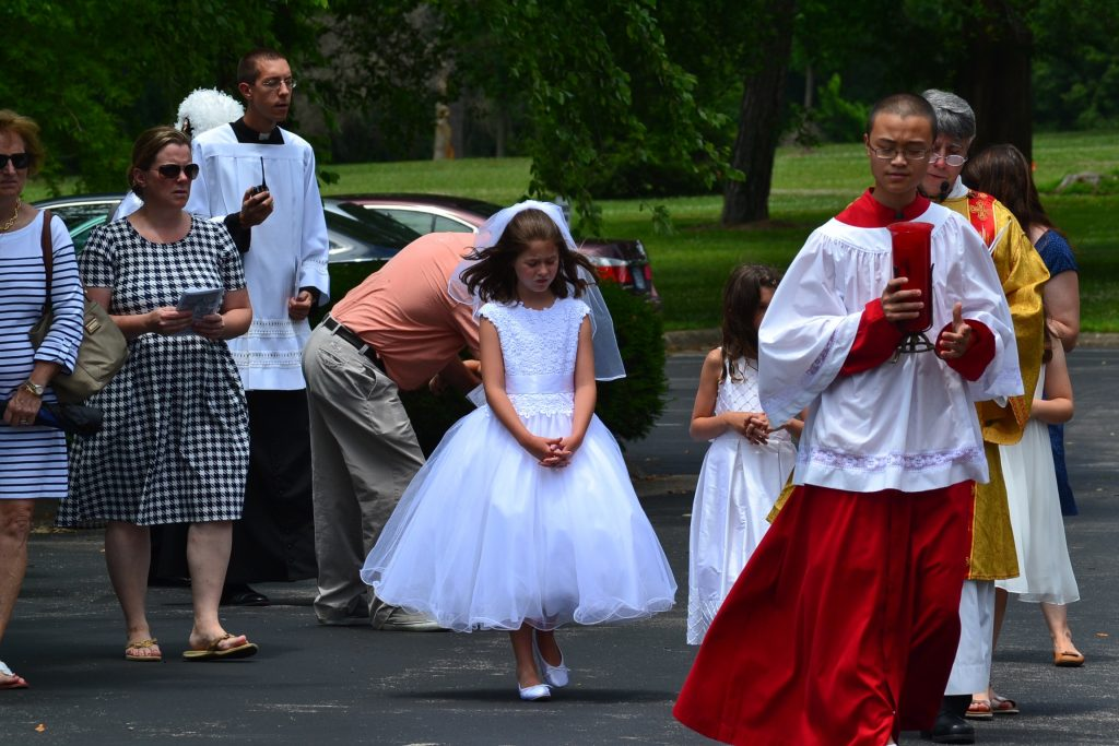 First Communicants participate in the procession (CT Photo/Greg Hartman)