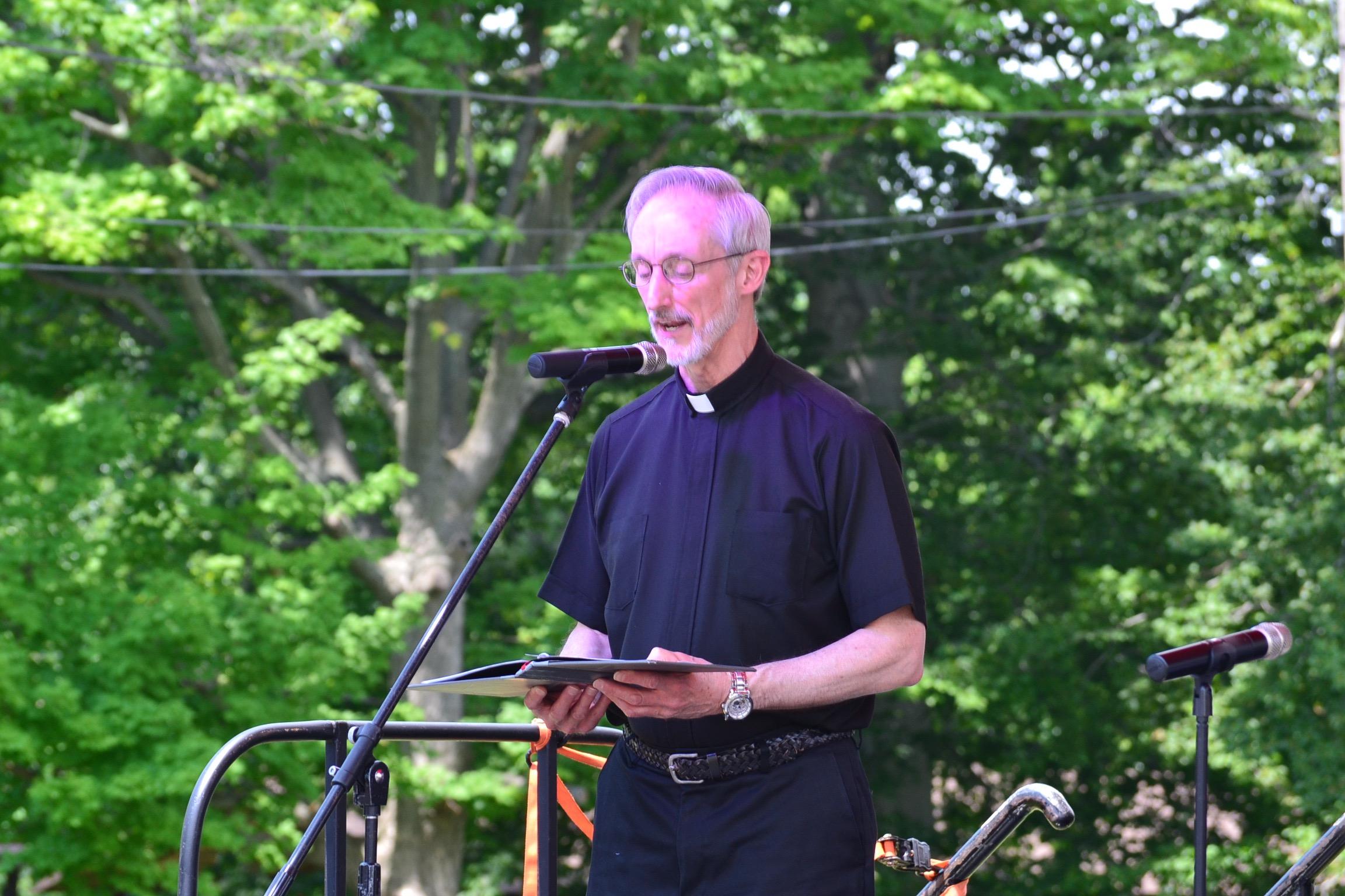 Rev. Anthony Dattilo opening prayer (CT Photo/Greg Hartman)
