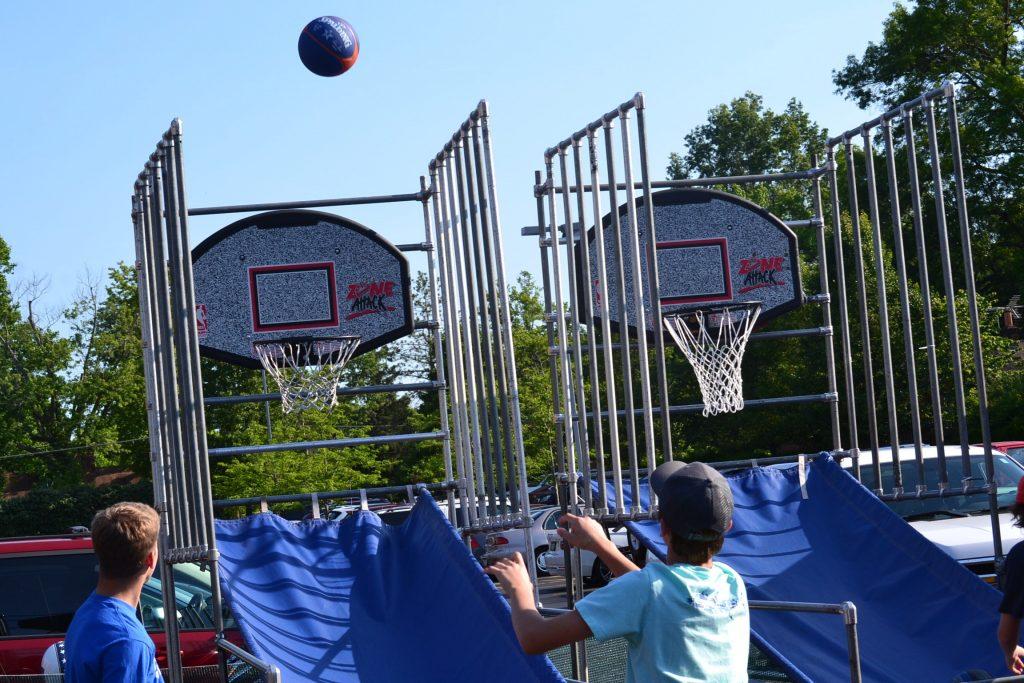 Heading for a basket (CT/Photo Greg Hartman)