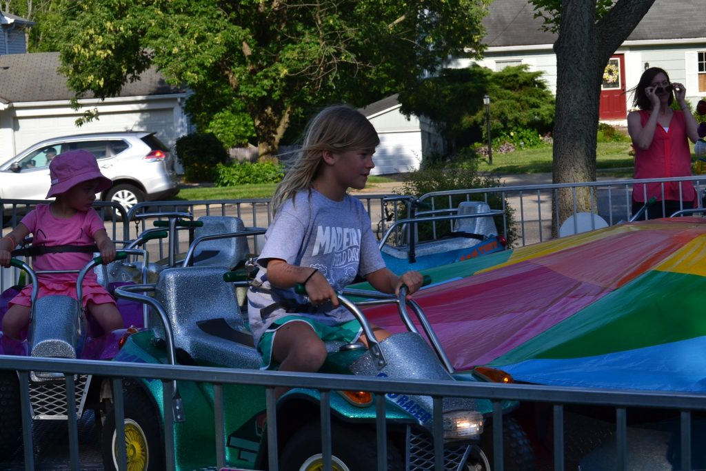 She takes the lead! Fun at the Festival (CT Photo/Greg Hartman)