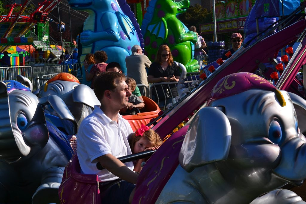 Father Daughter time on the Elephant Ride. (CT Photo/Greg Hartman)