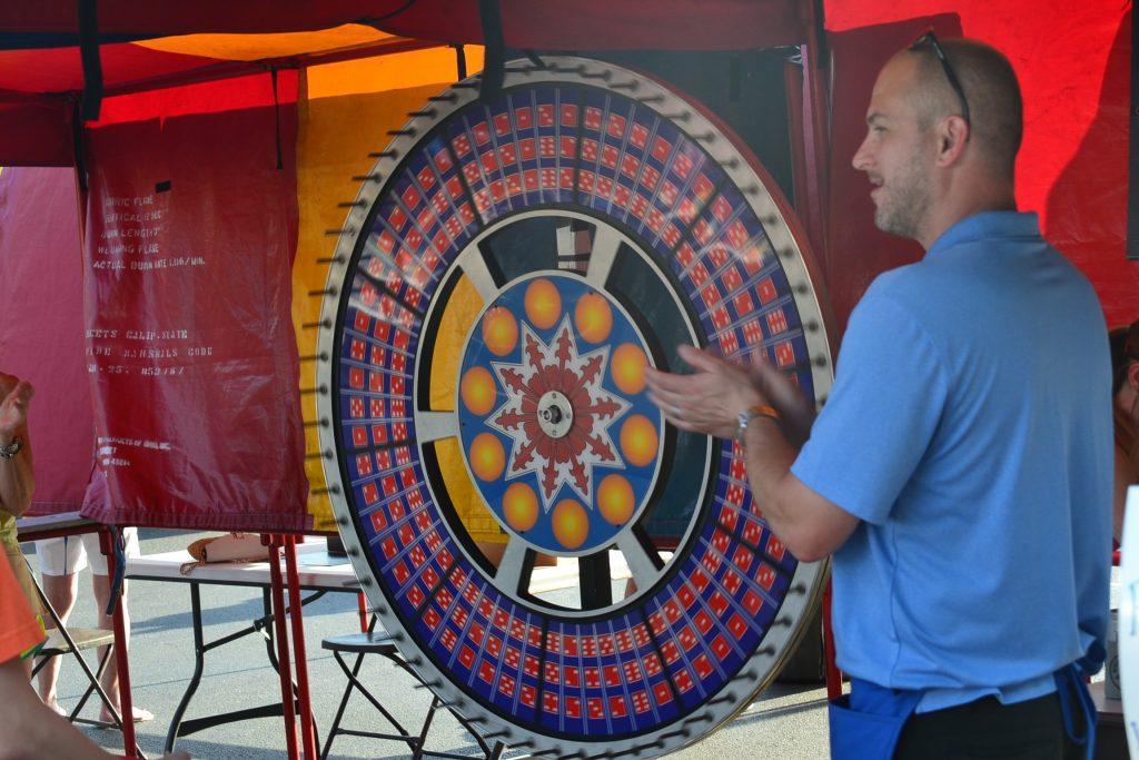 All bets down at the Pick 6 wheel. (CT Photo/Greg Hartman)