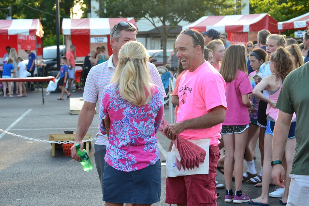 Nothing like a nice evening at Catholic Festival with friends (CT Photo/Greg Hartman)