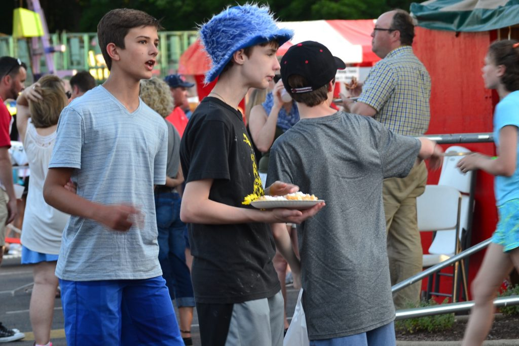Cool Hat and a Cool Treat (CT Photo/Greg Hartman)