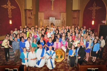 Group photo of all recipients of the Covenant of Love with our Mother Thrice Admirable Queen and Victress of Schoenstatt (CT Photo/Jeff Unroe)