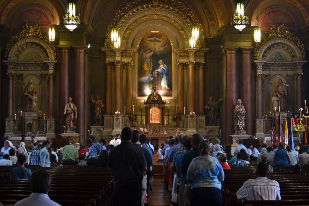 Distribution of Communion (CT Photo/Greg Hartman)