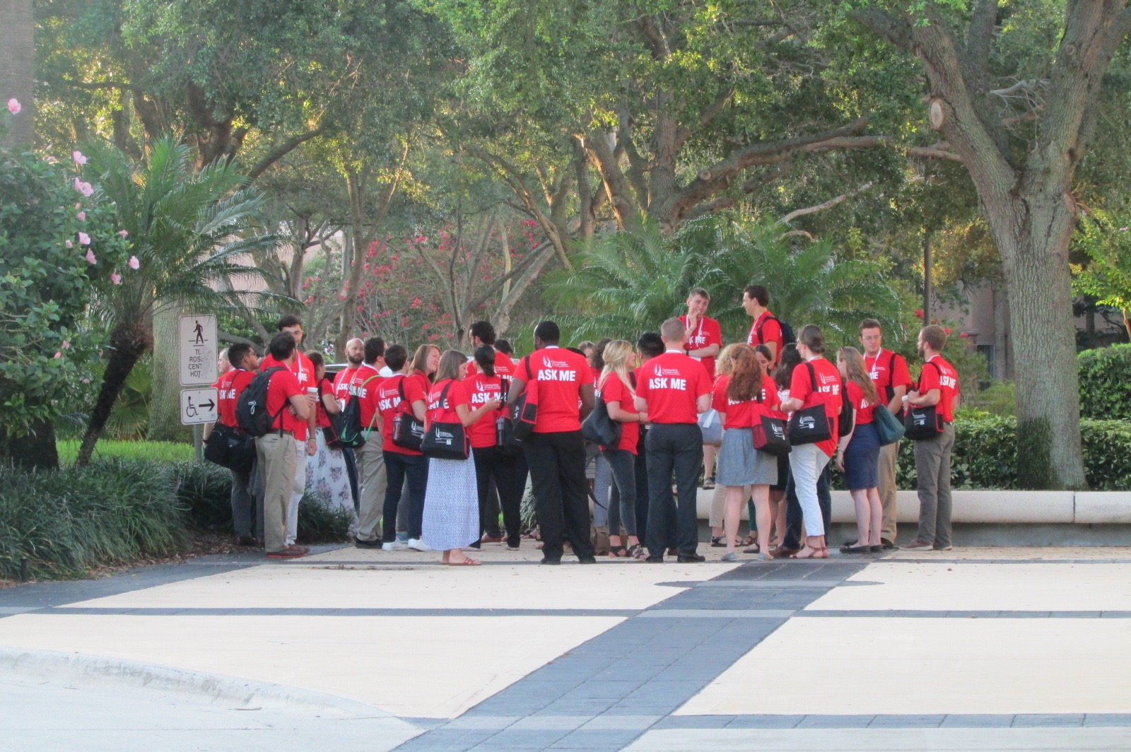 An army of red-clad volunteers, most of them FOCUS missionaries, helped keep the convocation running smoothly (CT Photo/Gail Finke)