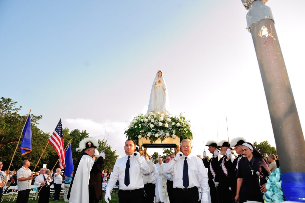 Procession of Our Lady (CT Photo/Jeff Unroe)