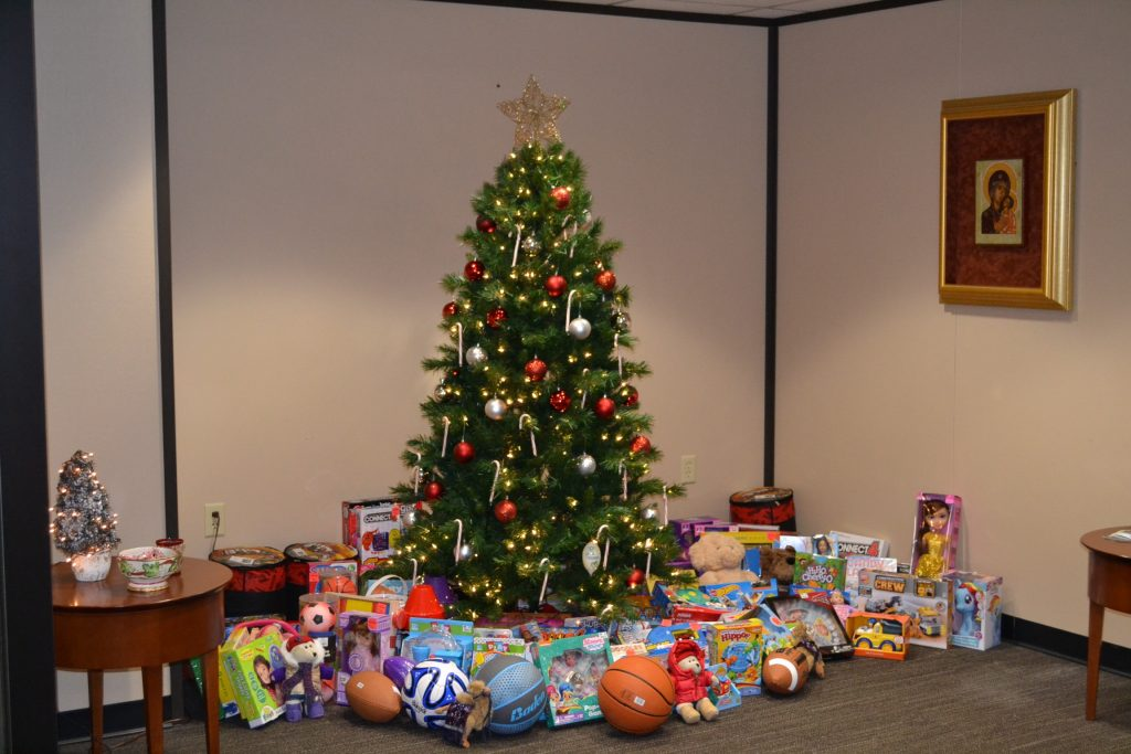 Joy of Giving at the Archdiocese of Cincinnati Central Offices (CT Photo/Greg Hartman)