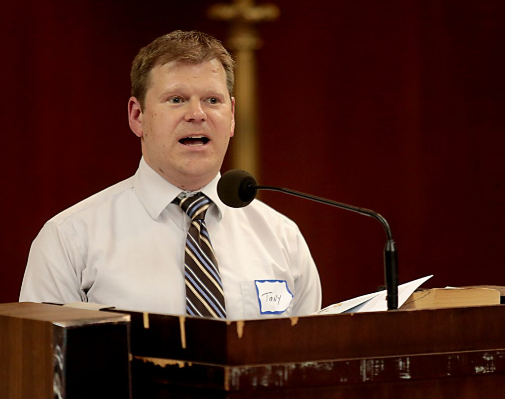 Tony Stieritz speaking at the prayer vigil. (CT Photo/EL Hubbard)
