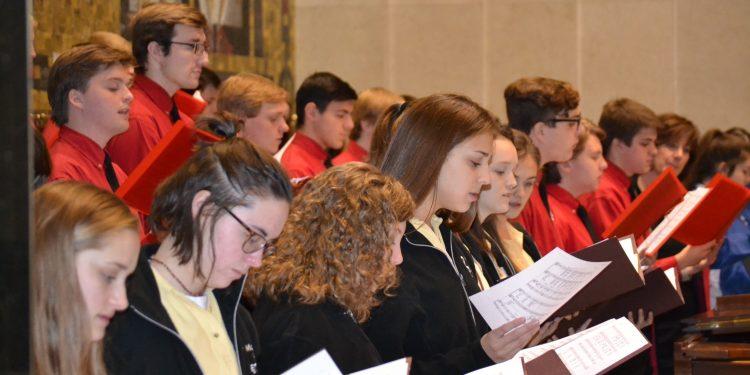 Vocal Ensemble of McAuley High School, LaSalle High School, and Mother of Mercy High School sing at the 2018 Catholic Schools Week Mass (CT Photo/Greg Hartman)