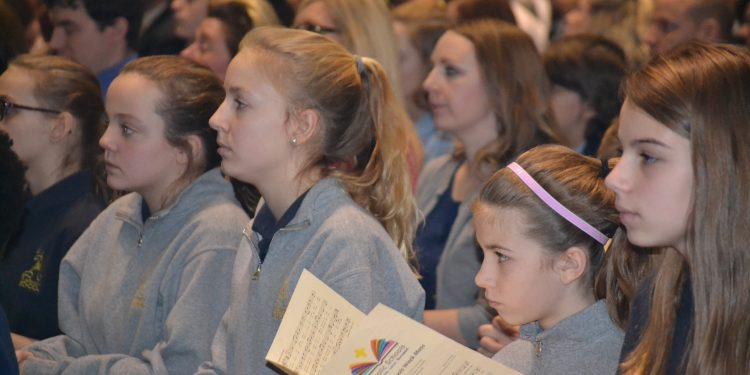 Students participate in the 2018 Catholic Schools Week Mass (CT Photo/Greg Hartman)