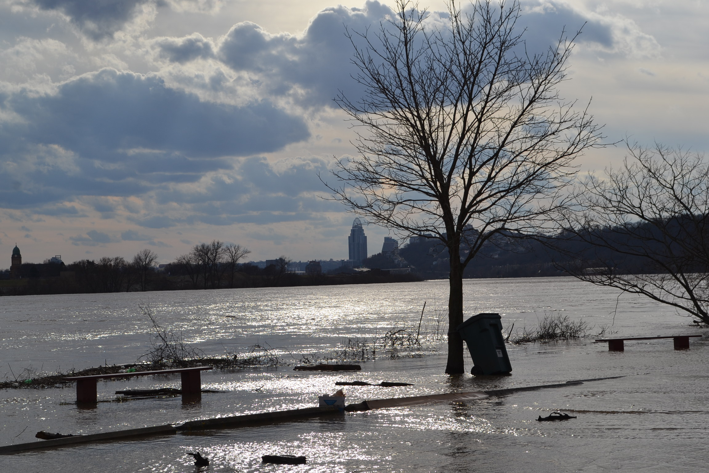 The view westward from St. Rose parking lot at a rising river. (CT Photo/Greg Hartman)