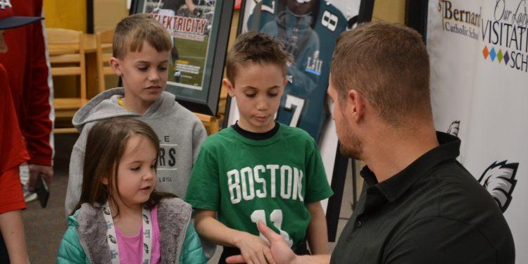 Meeting a Super Bowl Champ! (CT Photo/Greg Hartman)