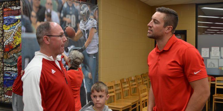 Garrett Celek and head coach Pat McLaughlin talking shop at La Salle (CT Photo/Greg Hartman)