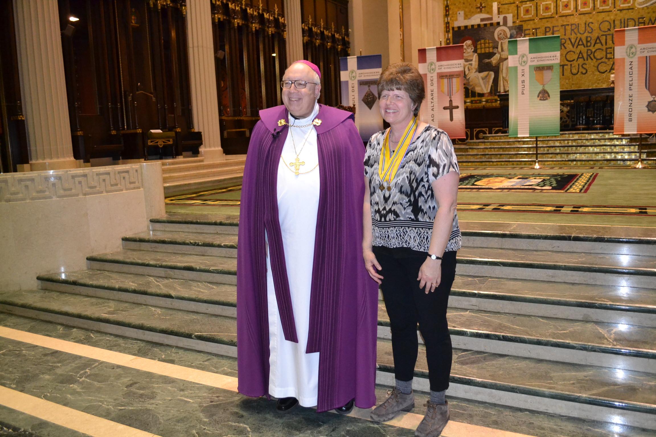 Mary Ellen Moeller recieves the St. George Award (CT Photo/Greg Hartman)