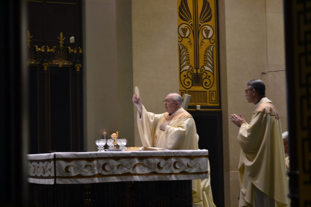 """""""Take this, all of you, and eat of it. For this is my Body, which will be given up for you. Eucharistic Prayer III (CT Photo/Greg Hartman)"""