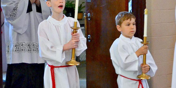 Acolytes enter St. Margaret St. John Parish for Rev. Craig Best Solemn Mass of Thanksgiving. (CT Photo/Greg Hartman)