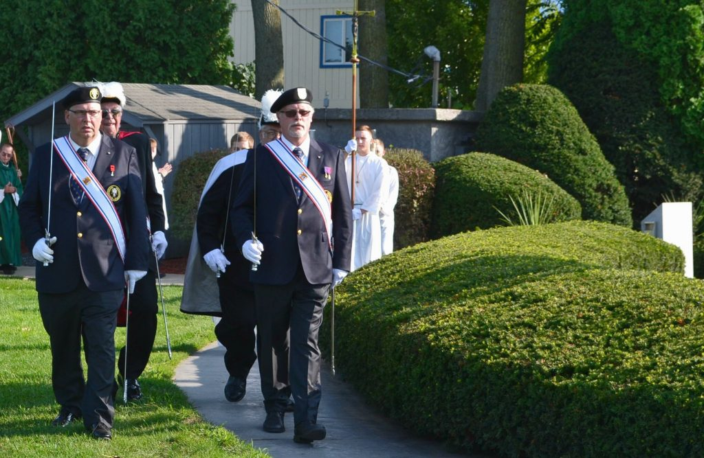 Knights of Columbus lead the Mass Procession (CT Photo/Greg Hartman)