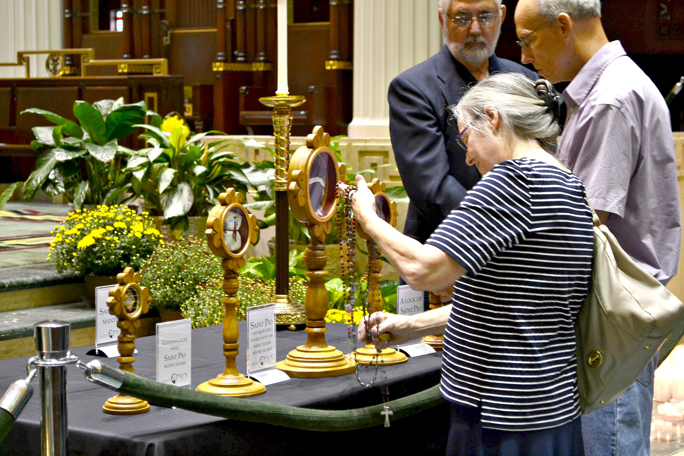Many waited over an hour to venerate the sacred relics. (CT Photo/Greg Hartman)
