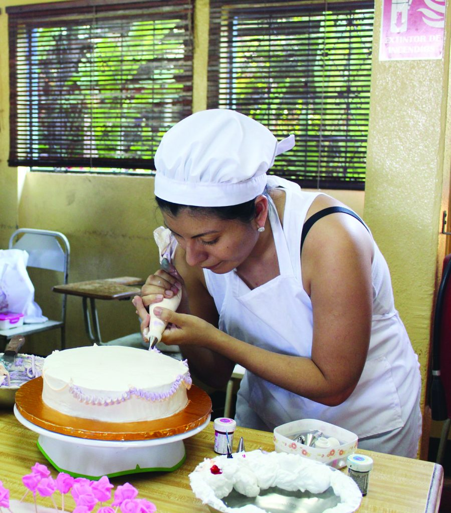 Baking classes are one of 17 courses taught at the Cultural Center Batahola Norte. IHM and the center have been twinning for 20 years.