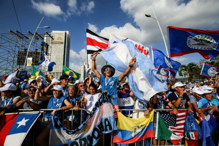 Young pilgrims gather before World Youth Day Panama opening Mass Jan. 22, 2019. Credit: Daniel Ibanez/CNA