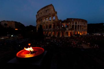 Crowds pray the Stations of the Cross at the Colosseum with Pope Francis on Good Friday 2019. Credit: Daniel Ibanez/CNA.