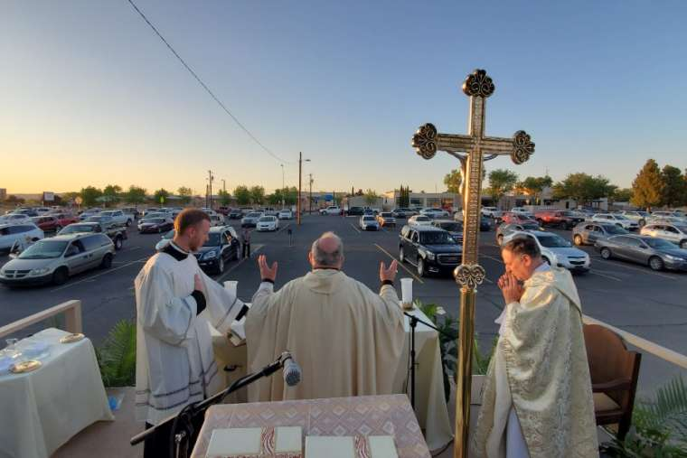 Bishop Peter Baldacchino celebrates Mass on Holy Thursday. Credit: David McNamara/Diocese of Las Cruces