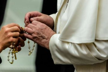 Pope Francis holds a rosary during a general audience Aug. 7, 2019. Credit: Daniel Ibanez/CNA.