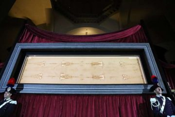 The Shroud of Turin in June 2015. Credit: Bohumil Petrik/CNA